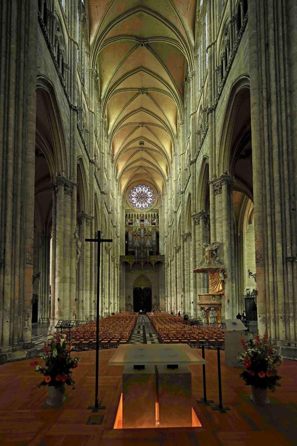 Nef de la cathédrale d'Amiens.
