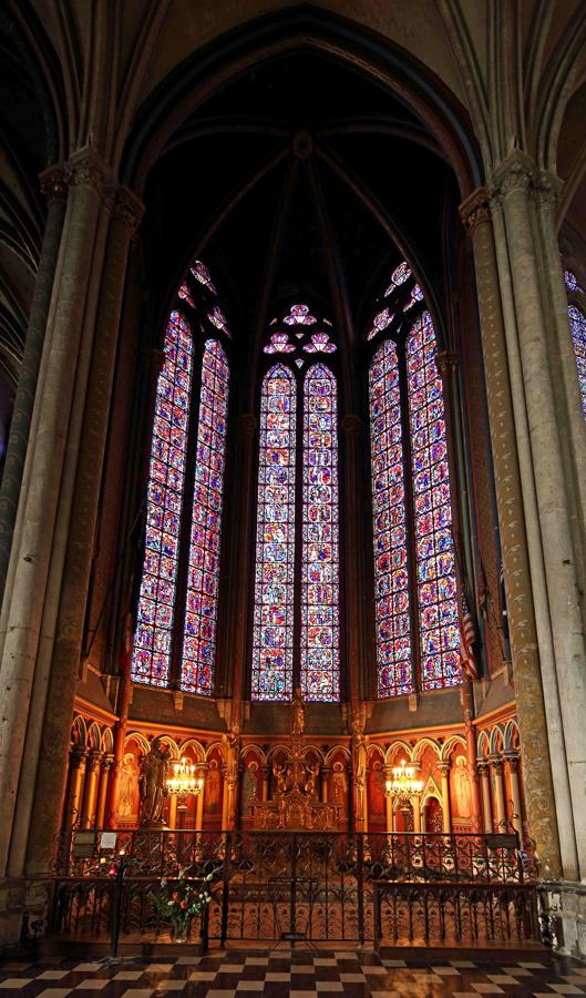 Chapelle de la Vierge à la cathédrale d'Amiens.